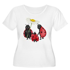 Ladybug Stroll Women's Plus Size Scoop Neck T-Shirt