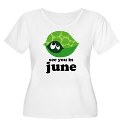 June Baby Due Date Women's Plus Size Scoop Neck T-Shirt