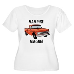 Vampire Magne Women's Plus Size Scoop Neck T-Shirt
