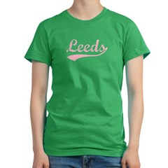 Vintage Leeds (Pink) Women's Fitted T-Shirt (dark)