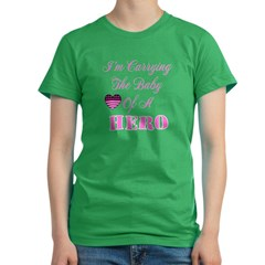 I'm carrying the baby of a He Women's Fitted T-Shirt (dark)