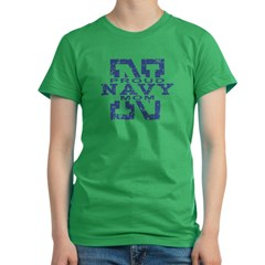 Proud Navy Mom Women's Fitted T-Shirt (dark)